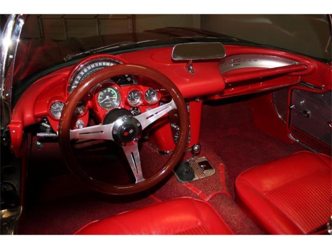 1961 Chevrolet Corvette - Corvette (15)
