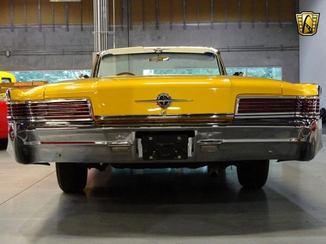1966 Chrysler 300 - Automatic (32)