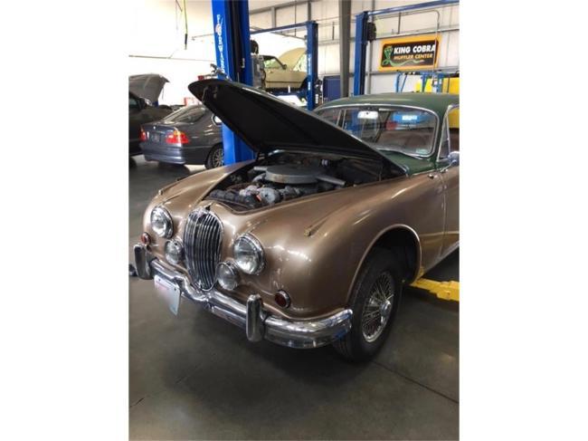 1961 Jaguar Mark II - Manual (9)