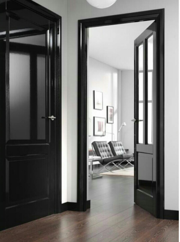 Des portes noires c deco for Contour de porte interieur