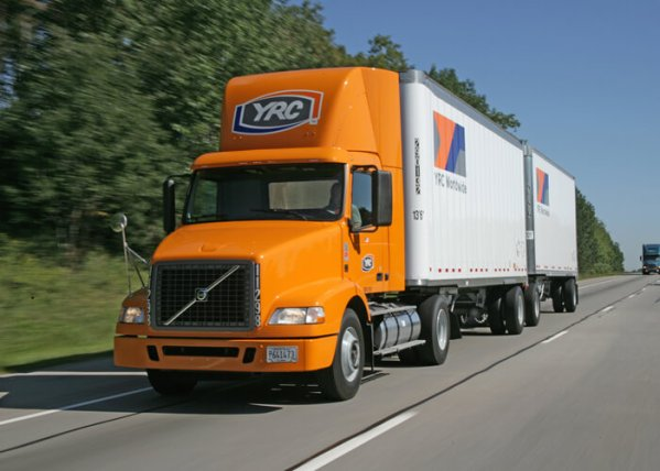 freight company to hire 200 truck drivers