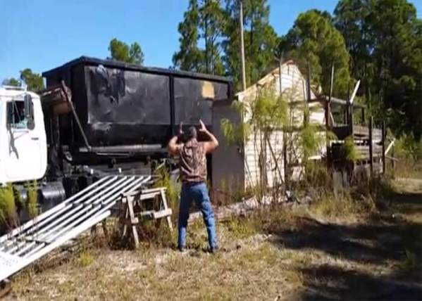 Video: Truck Takes Out Garage