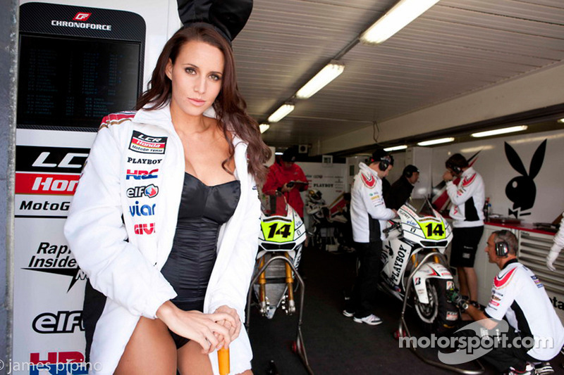 Foto Gride The Charming Lcr Honda Motogp Girl At Australian Gp