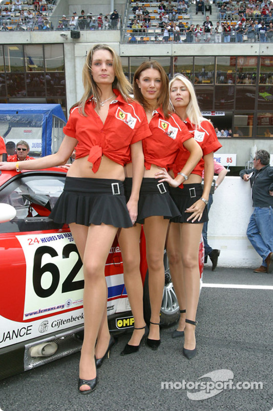 Girl Sprint Car Wallpaper The Lovely Barron Connor Racing Girls At 24 Hours Of Le Mans