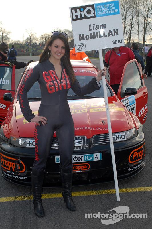 Formula 1 Girl Wallpaper Liam Mcmillan S Grid Girl At Brands Hatch