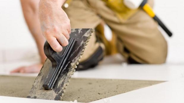Tile layer causes \u20ac3000 in damages after being owed \u20ac200