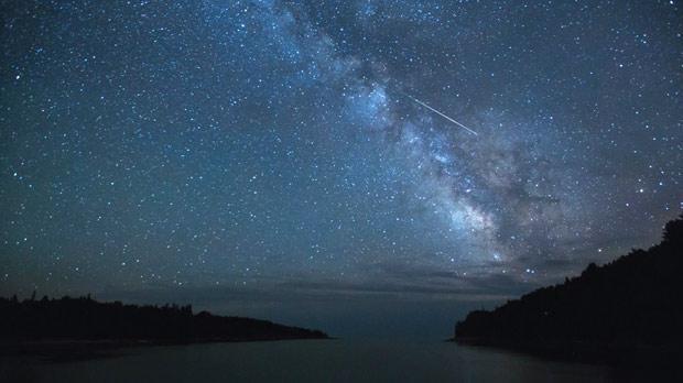 Wallpaper Falling Skies Night Sky The Perseid Meteor Shower