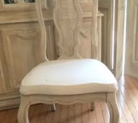 Chalk Painted Dining Table And Chairs | Brokeasshome.com