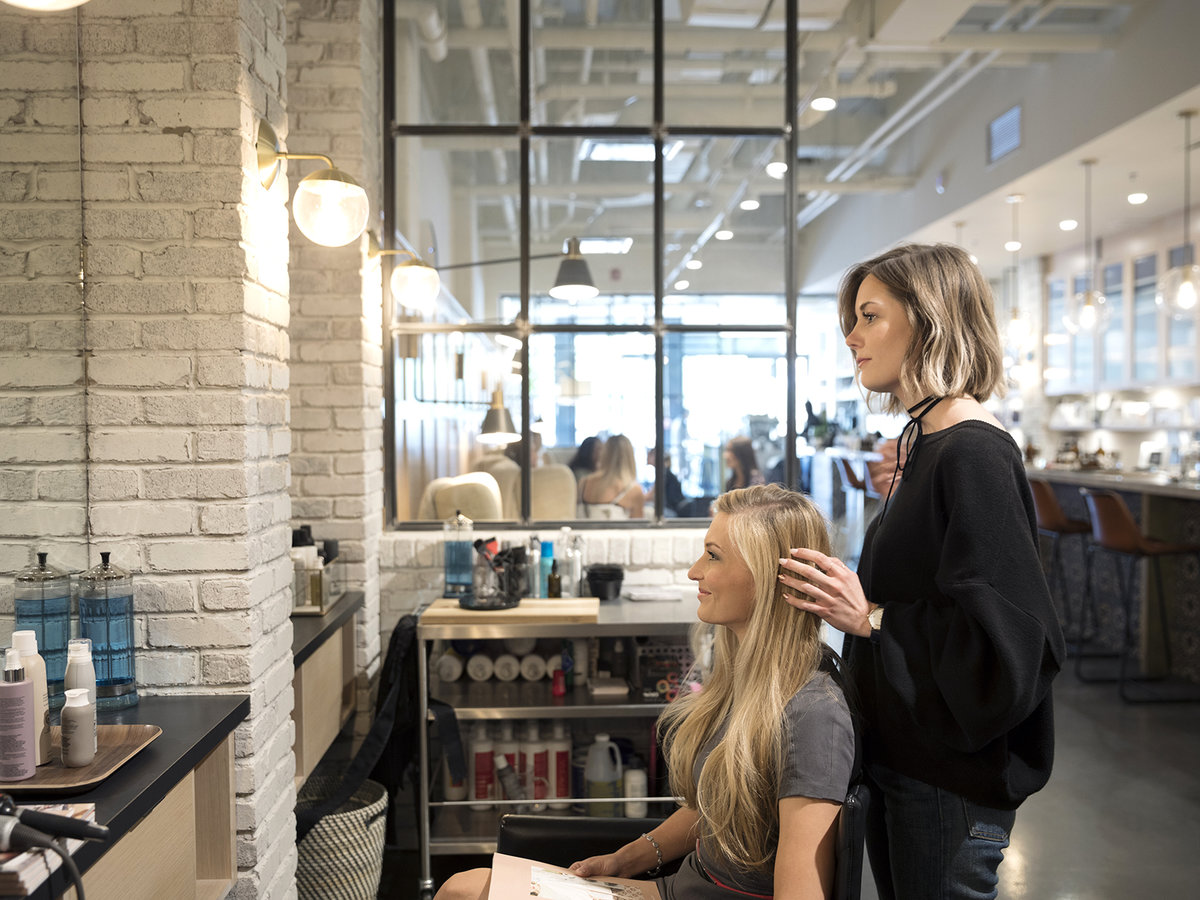 Salon How Much To Tip Hairdressers And Stylists Real Simple