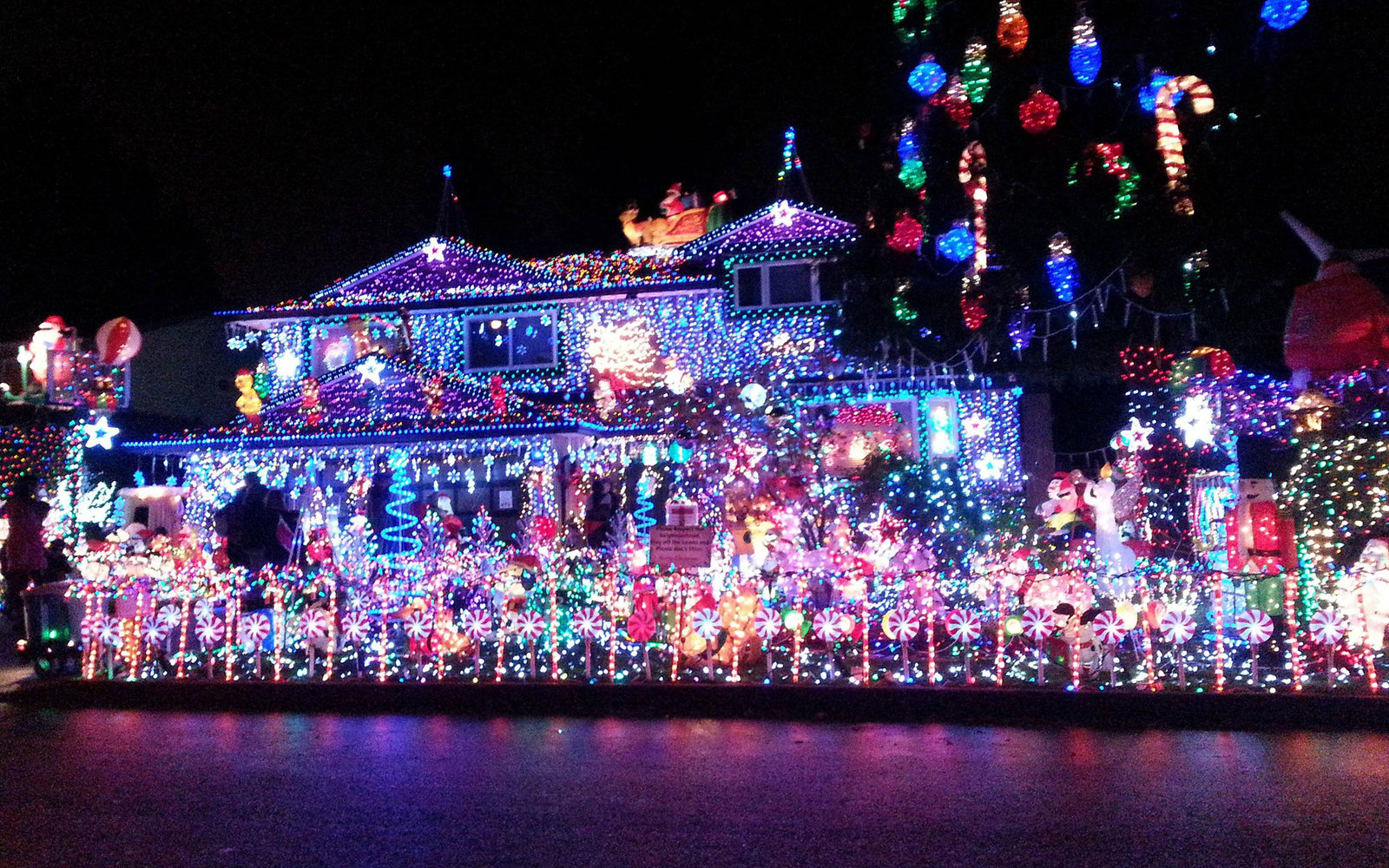 Best Place For Christmas Decorations The Best Christmas Light Displays In Every State Travel Leisure