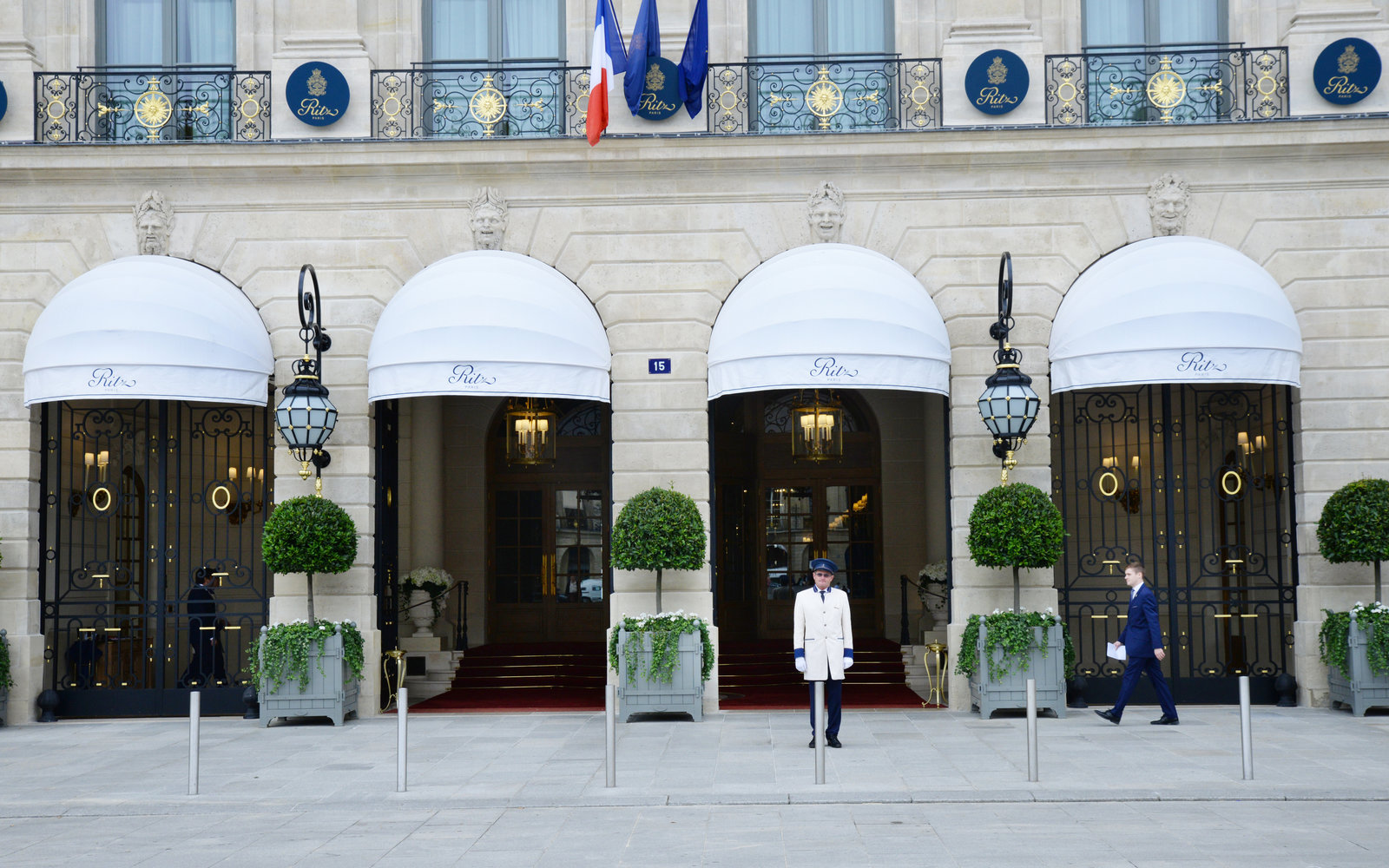 Location Parking Paris 16 Hotel Review The Ritz Reclaims Its Place As Paris S Crown Jewel