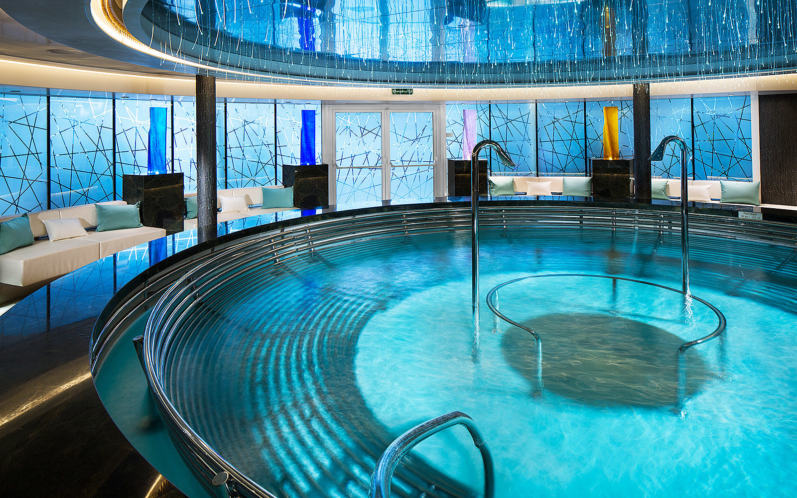 Pool Jacuzzi Jets Not Working On Board The New Holland Ameriac Koningsdam Travel 43 Leisure