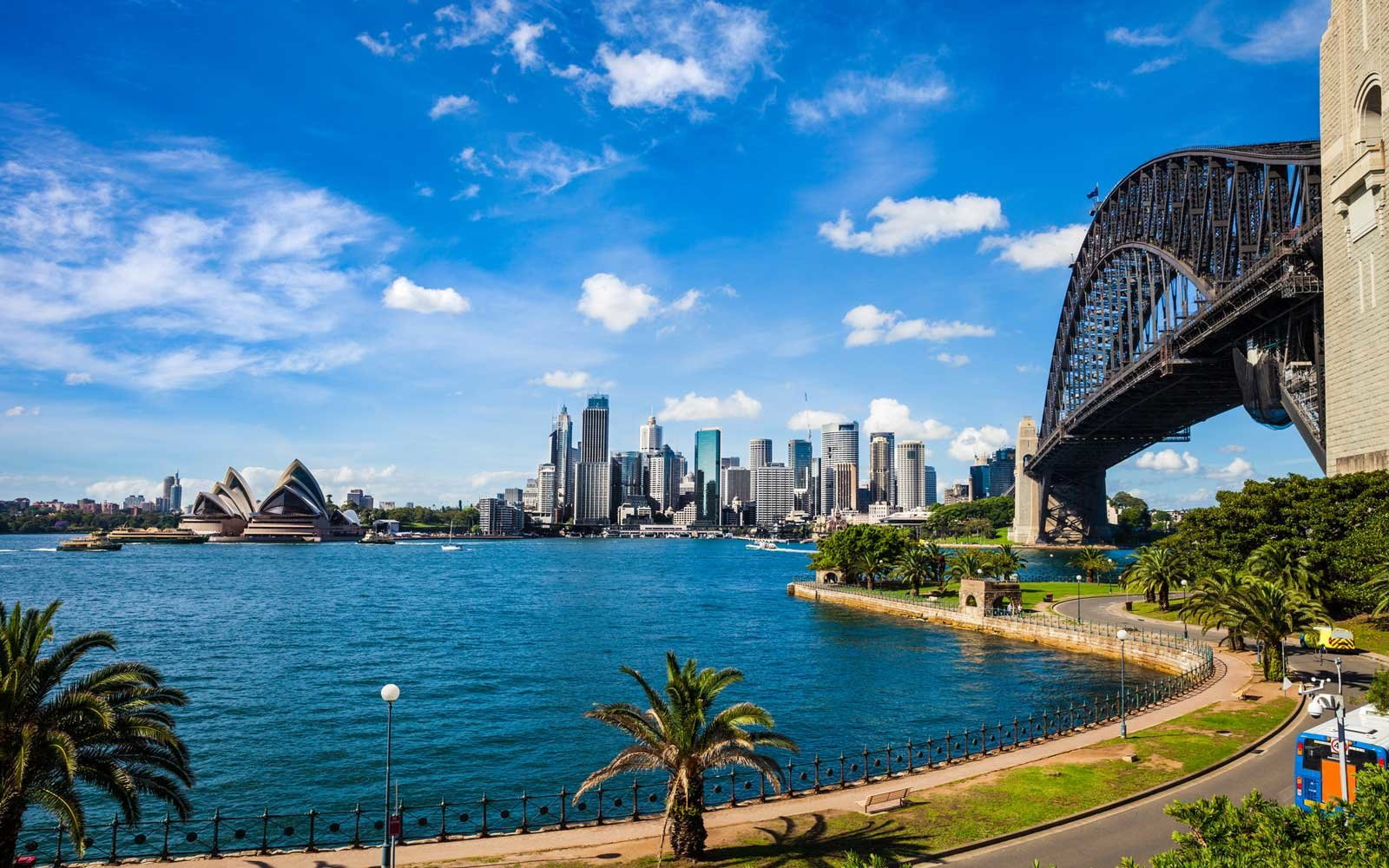 Teen Tries To Fly To Sydney Australia And Ends Up In