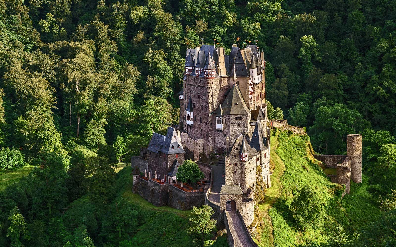 Nechar Wallpaper 3d These Hidden Castles In Europe Are Straight Out Of A Fairy
