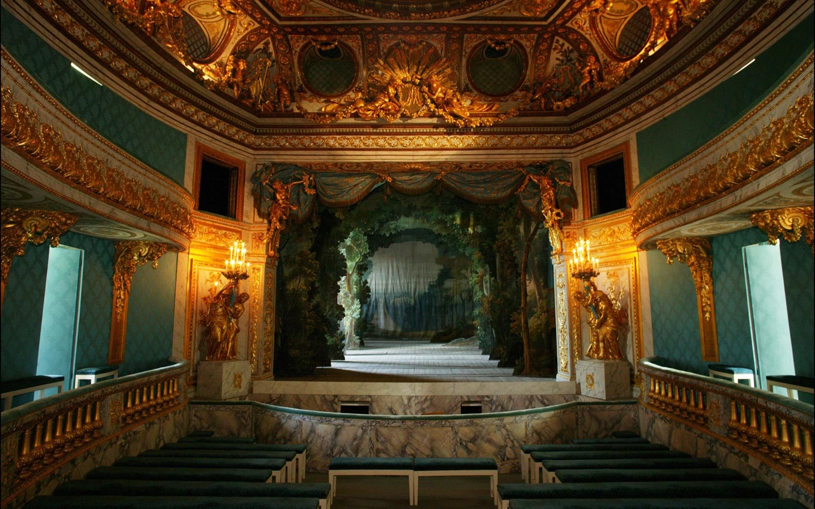 Theater Room Ideas Marie Antoinette History - Retrace Her Life In France