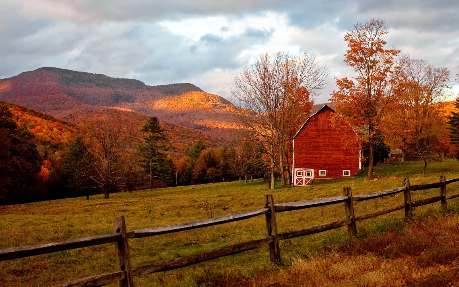 Vermont Fall Foliage Wallpaper The Best Places To See Fall Foliage In The United States