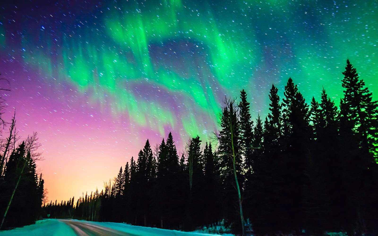 Fly To Alaska And See The Northern Lights For Cheap This