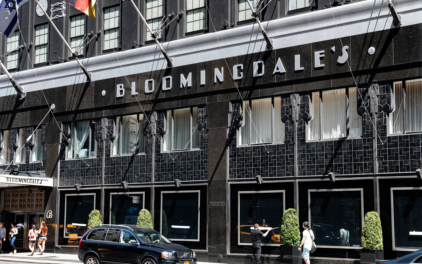 Black Sale The Best Bloomingdale S Black Friday Deals For Travelers Travel