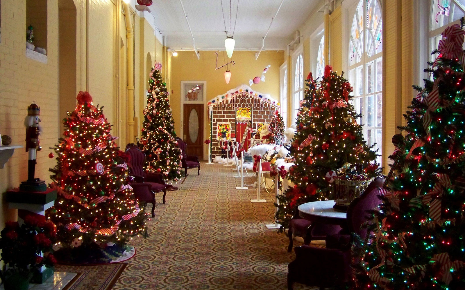 Best Place For Christmas Decorations America S Best Hotels For Christmas Travel Leisure