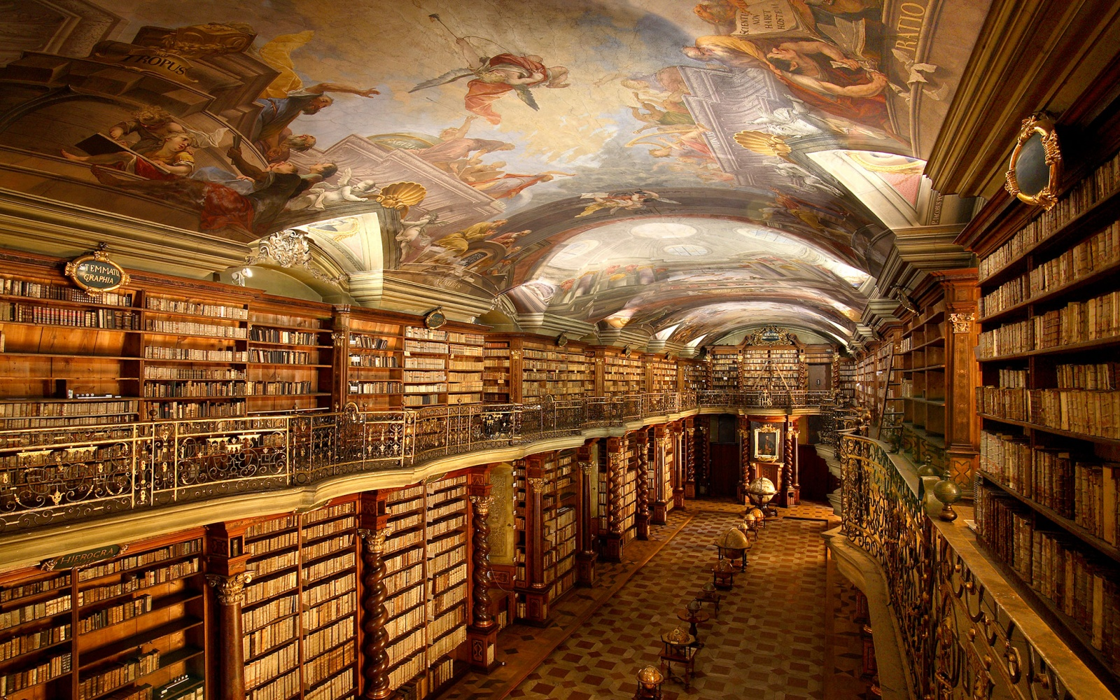20 Libraries So Beautiful They39ll Bring Out The Bookworm