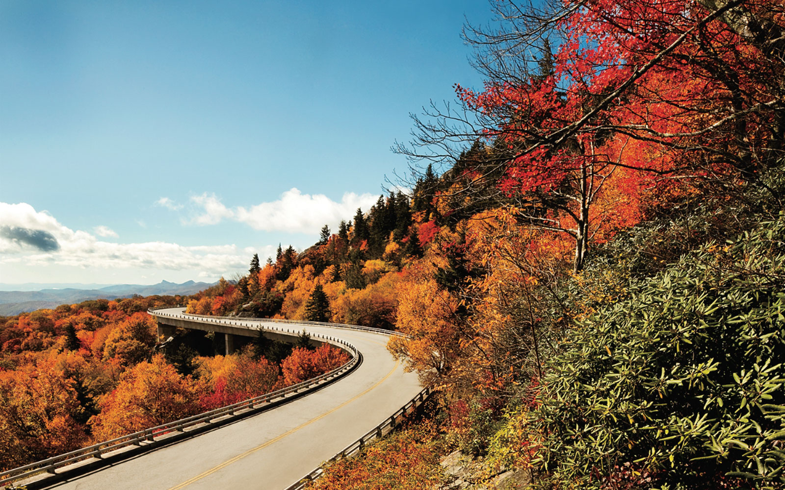 Car Curvy Road Wallpaper America S Best Drives For Spotting Changing Leaves