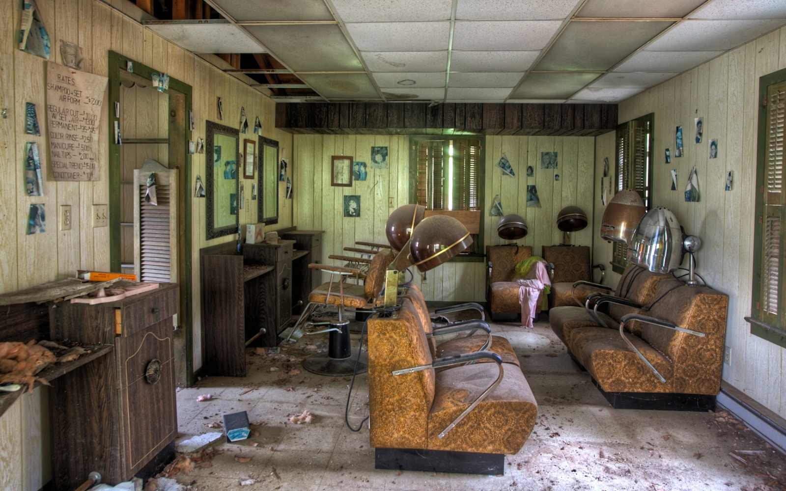 Cash Pool Halle Eerie Photographs Of Abandoned Poconos Resorts Travel