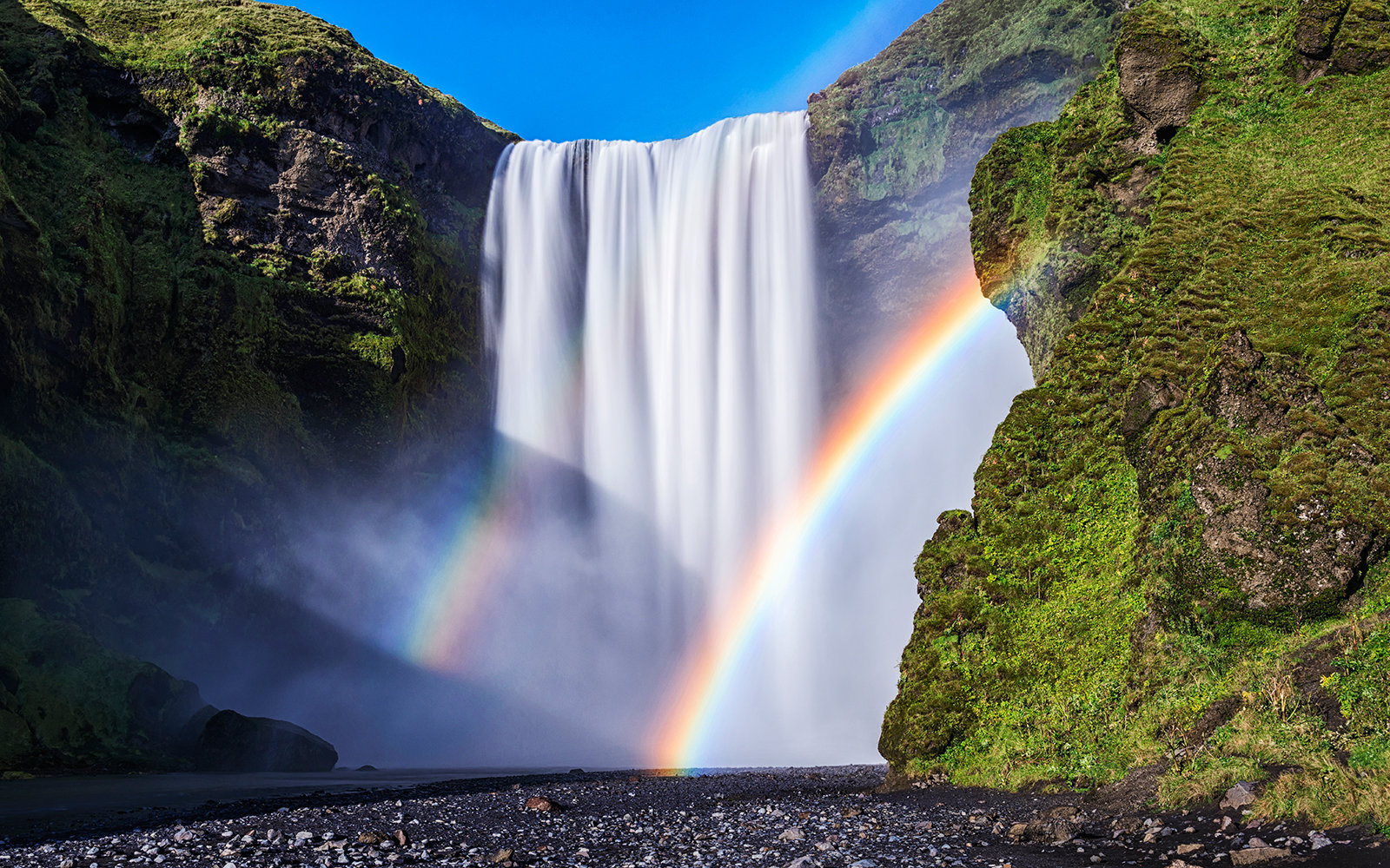 Fall Wallpaper For Windows 10 Of Course Iceland Is Having A Music Festival At The Foot