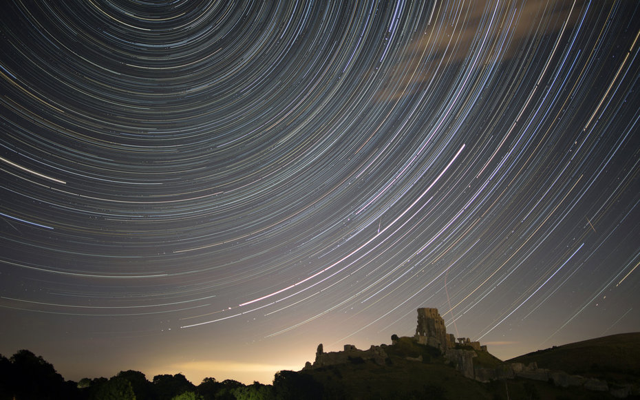 Falling Stars Wallpaper Meteor Showers Will Light Up The Sky This Weekend Travel