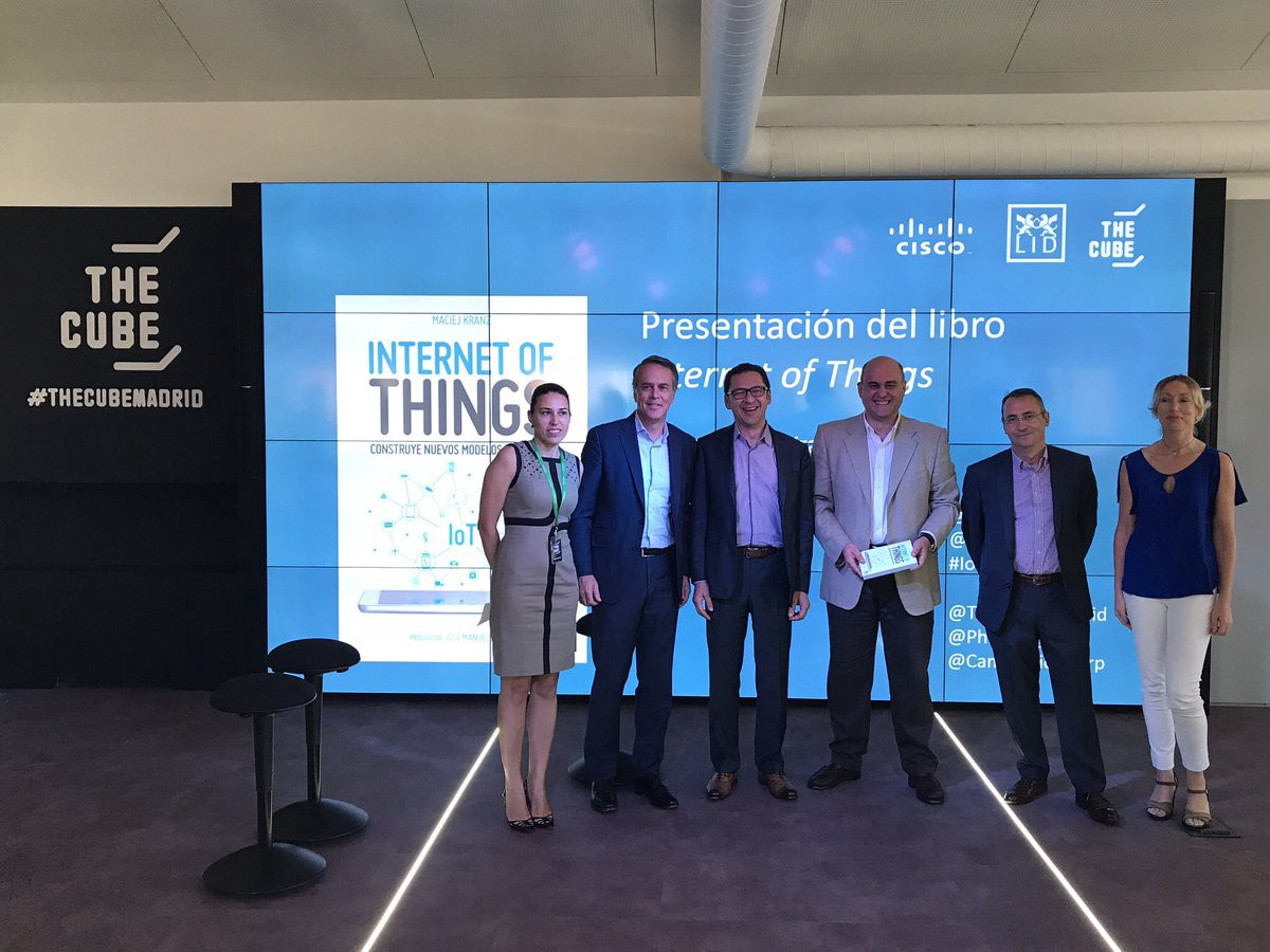 Libro Cisco Welcome To Thecube Madrid The Home Of Iot Metiora Medium