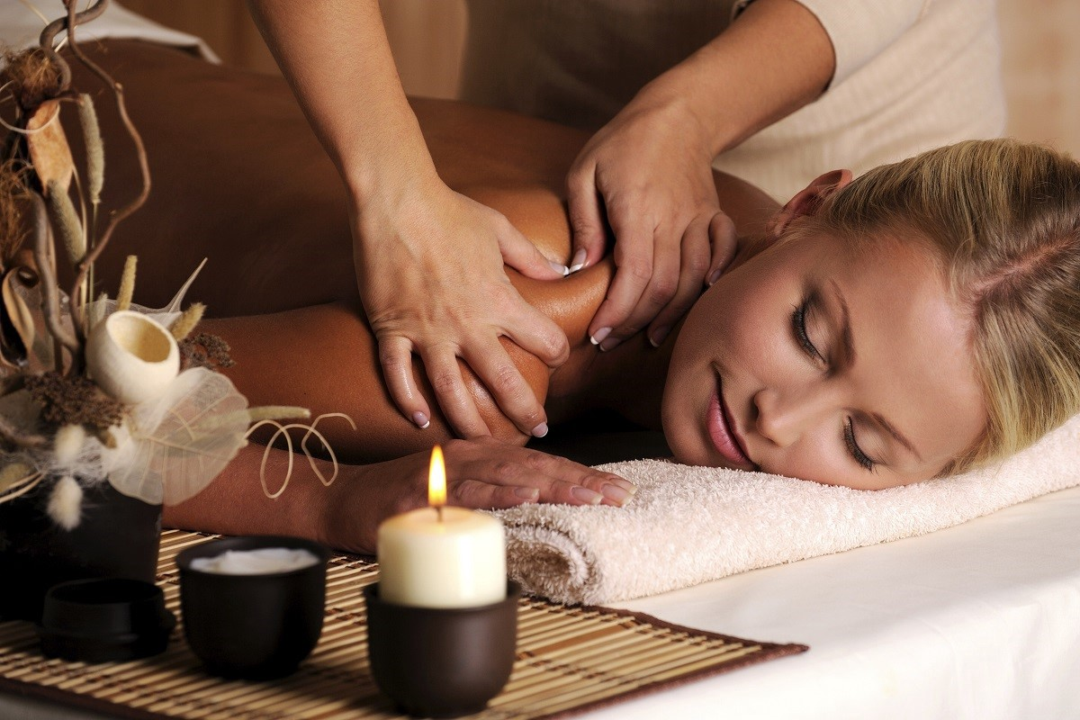 Where Can I Get Full Body Massage Massage Therapist Couples Massage Full Body Massage Therapy