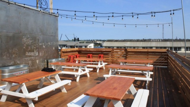 The best rooftop bars in Seattle - The Rooftop Brewing Company