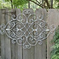 White Shabby Chic Metal Wall Decor/ Fleur from ...