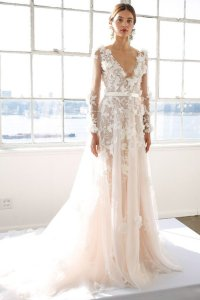 The Most Popular Lace Wedding Dresses, According To ...