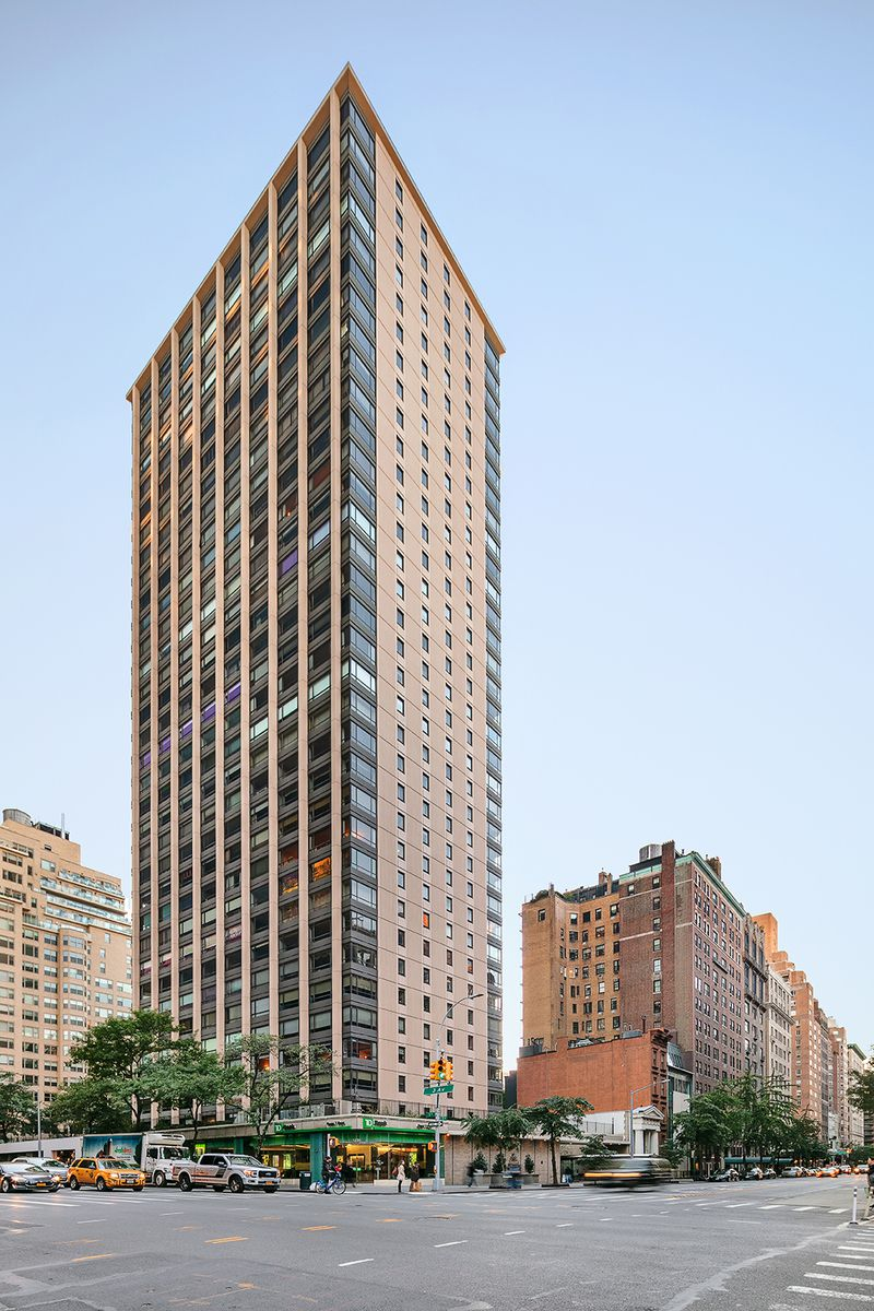 East Garage The Q 190 East 72nd St In Lenox Hill Sales Rentals Floorplans