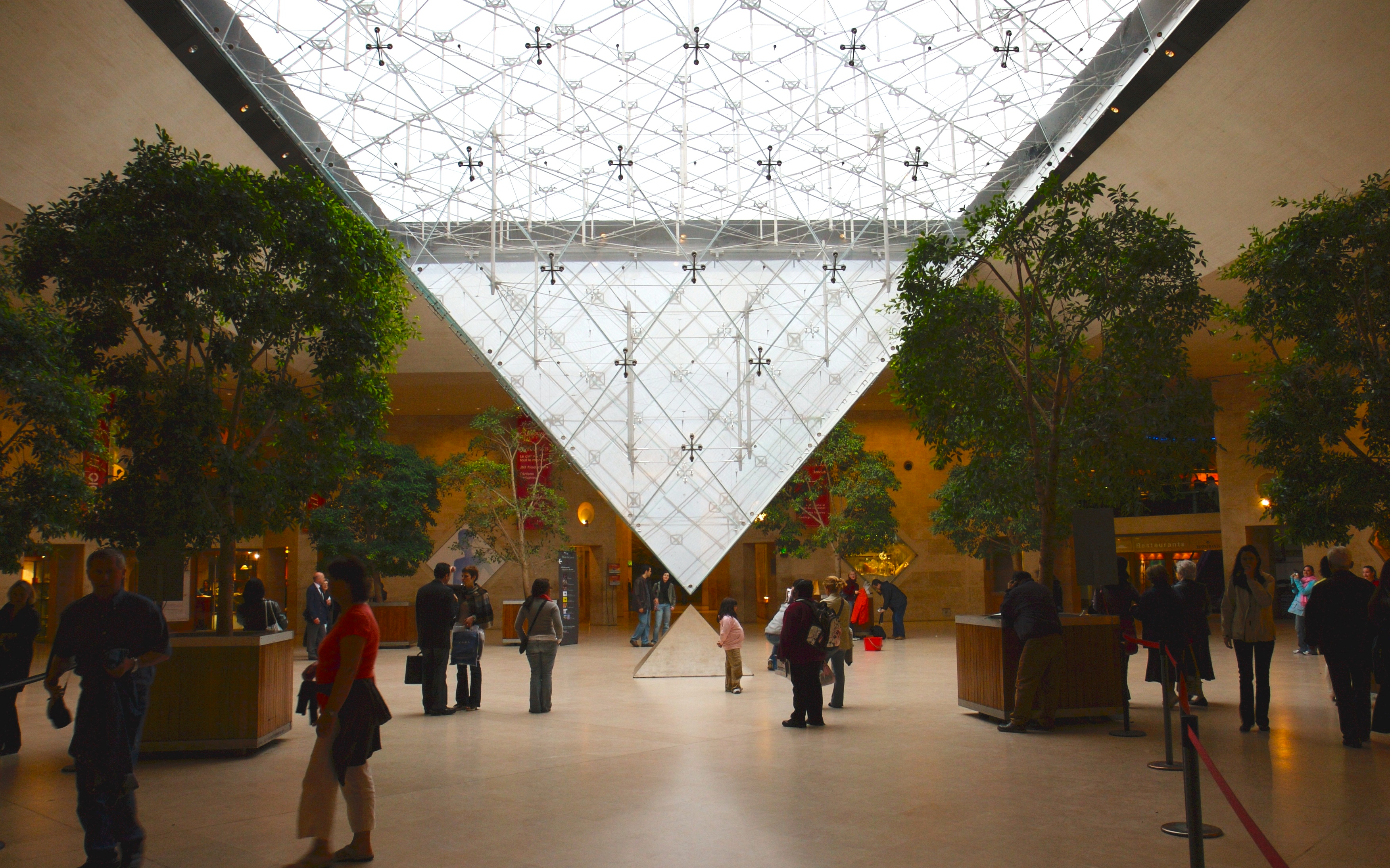 Le Louvre Billet Coupe File Guided Tour Of The Louvre Museum With Skip The Line Entry