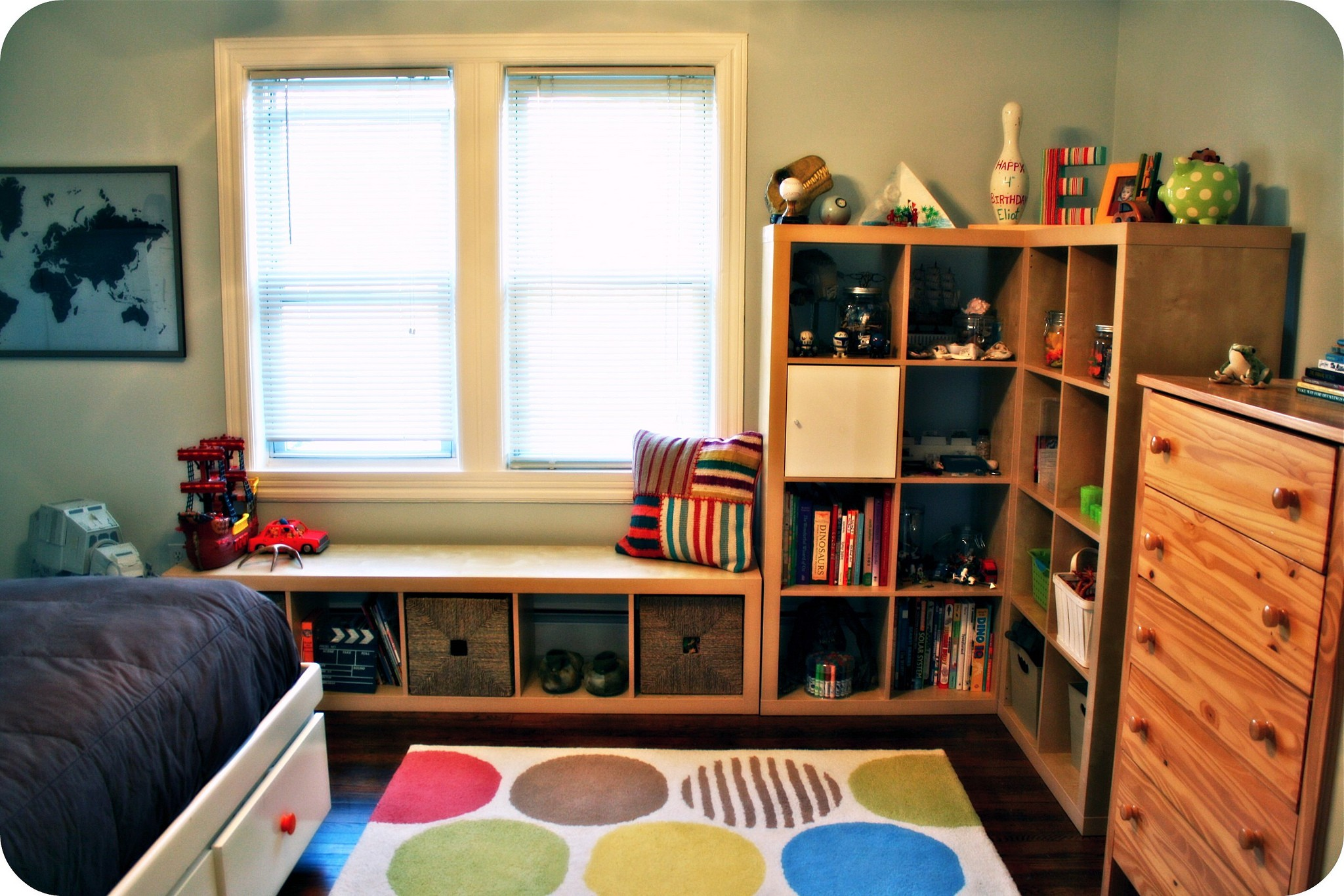 Kids Rooms Small Spaces 13 Ways To Make Your Room Without A Closet Work