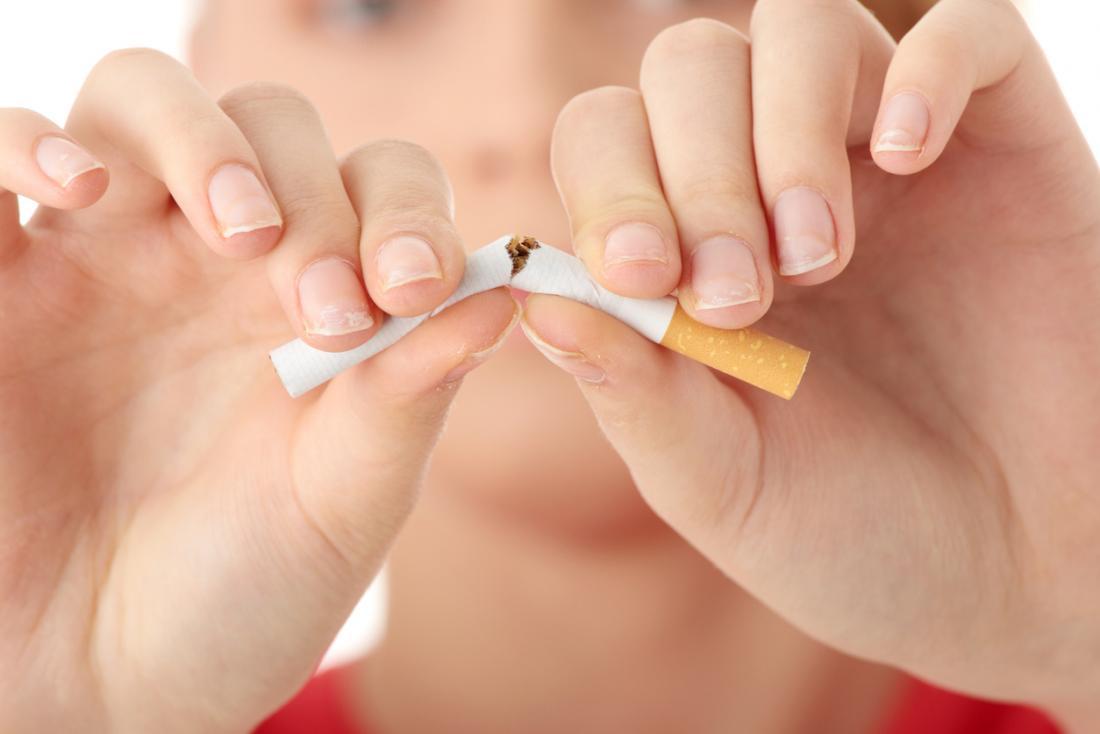 romper un cigarrillo por la mitad