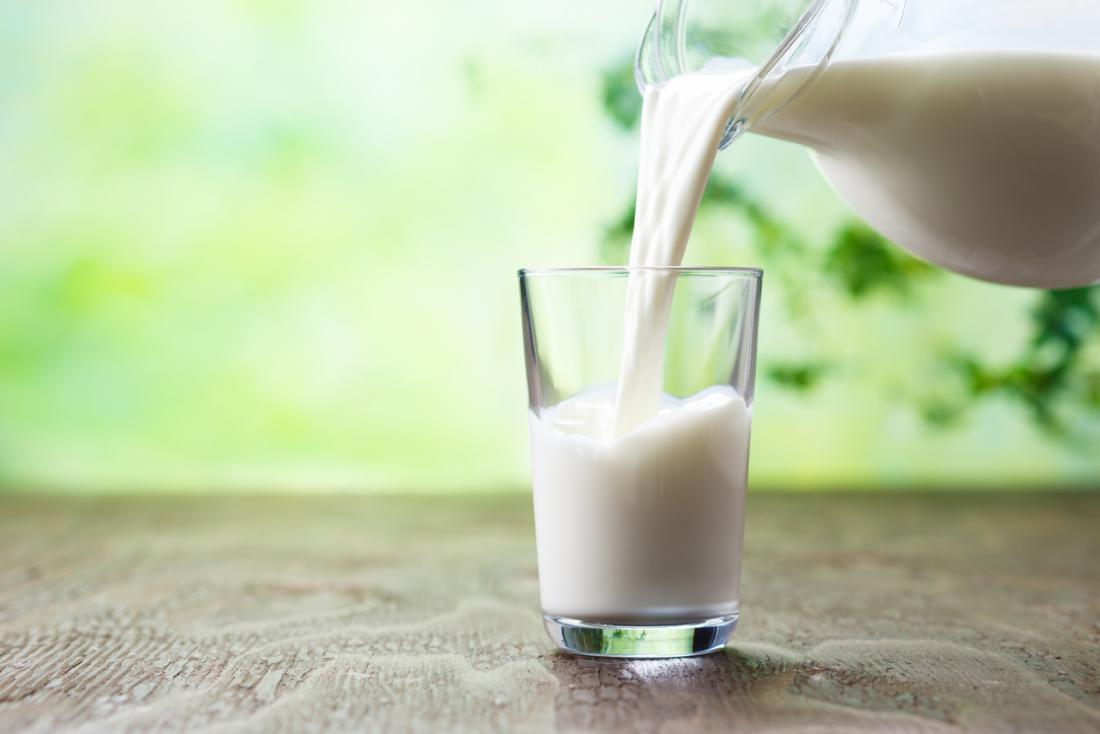 se vierte la leche
