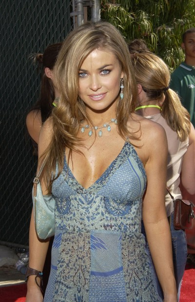 Carmen Electra; Taxidermied Squirrels in Hockey Fight; Hot Clicks | SI.com