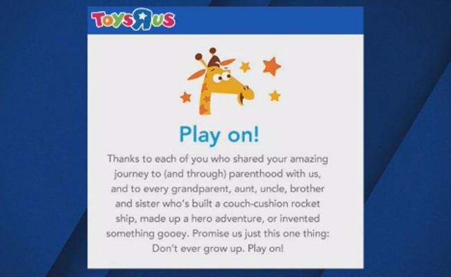 Toys R Us Customers Say One Final Goodbye As Store