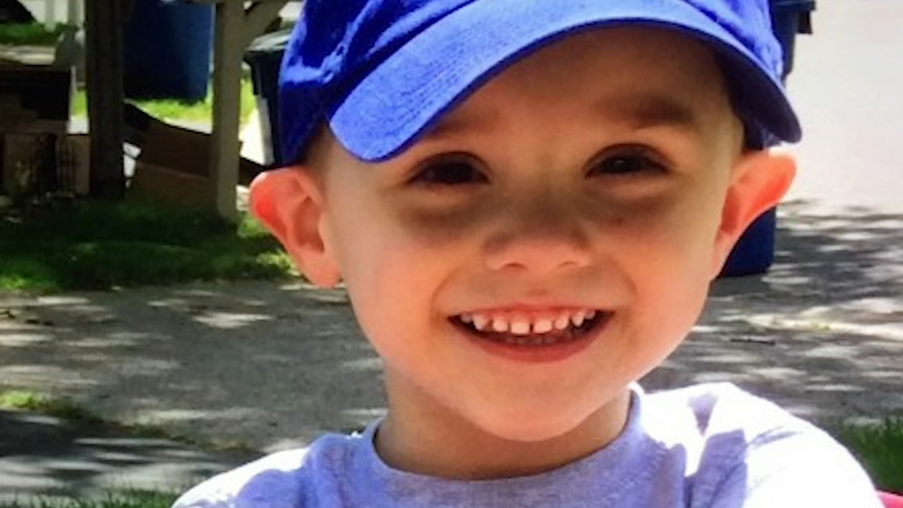 AJ Freund Crystal Lake missing person report: Police describe father as 'calm,' mother as ...