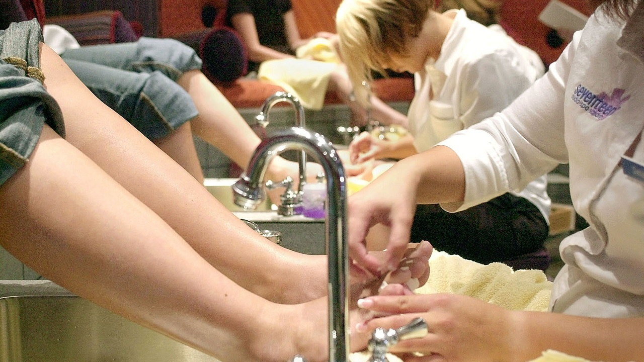 Pedicure Salon Your Friday Faves Houston S Top 10 Nail Salons Abc13