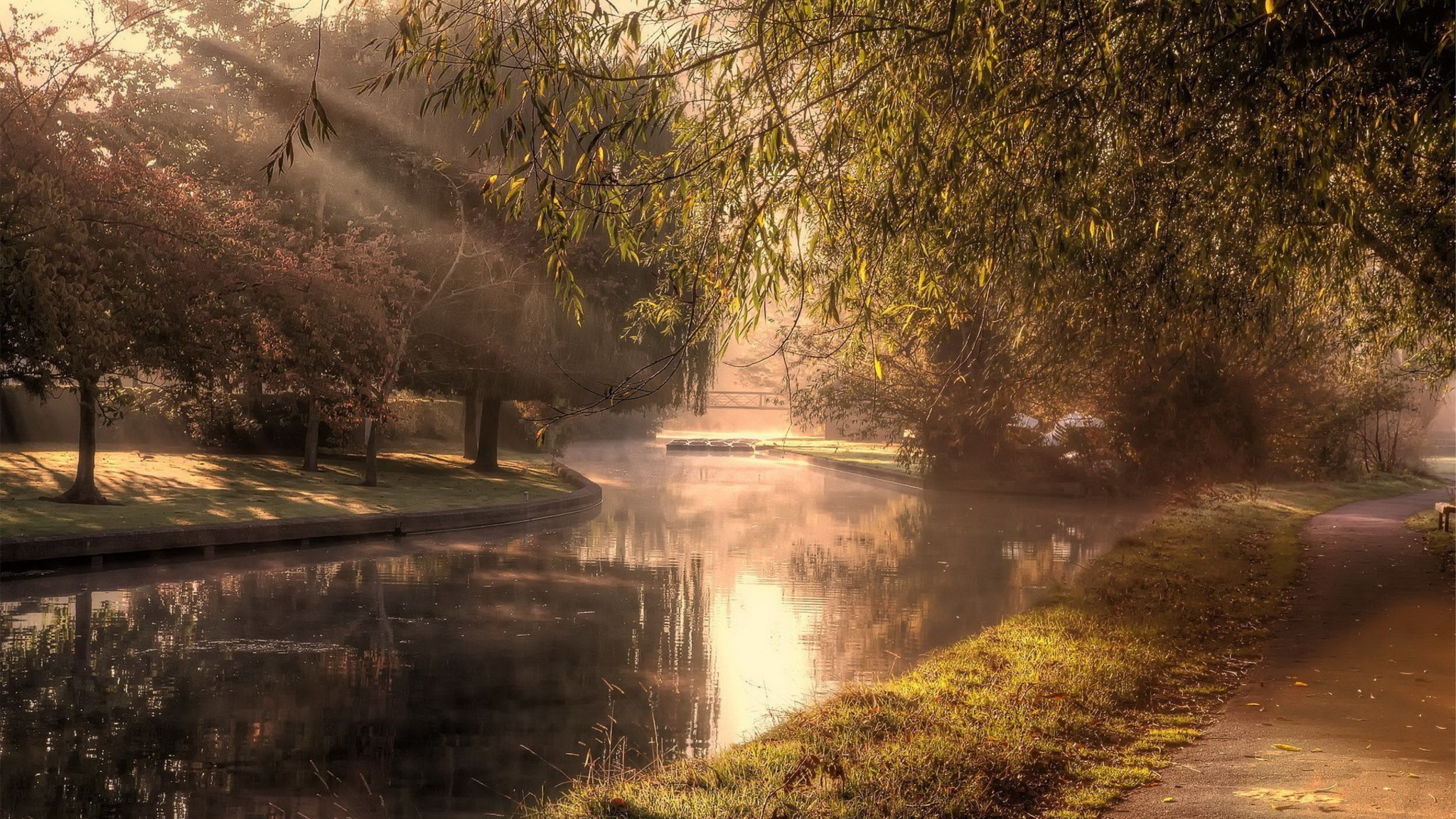 Best Iphone 5 Home Screen Wallpapers River In A Park At Morning Mist Wallpaper Allwallpaper