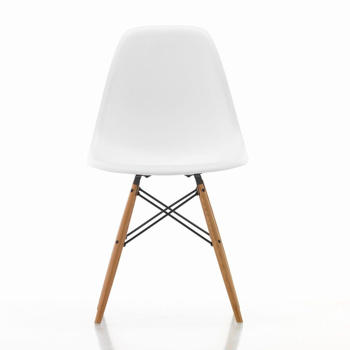 Chaise Dsw Rembourree Eames Plastic Chair Dsw Vitra Eames Plastic Chairs In The