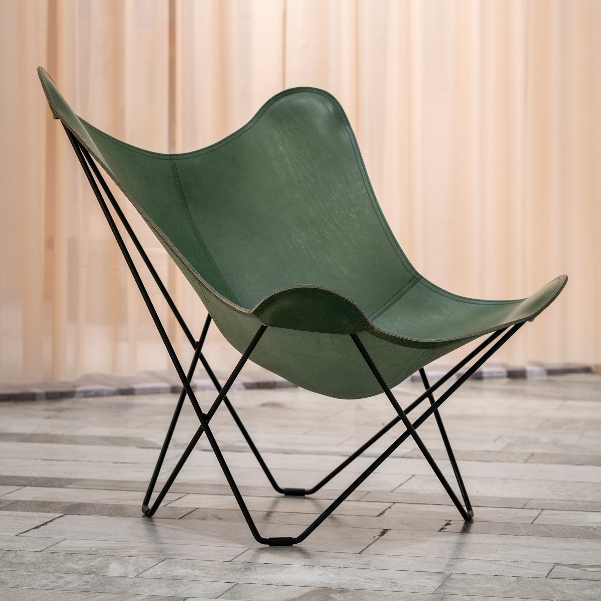 Cuero Mariposa Butterfly Chair Coloured Leather Ambientedirect
