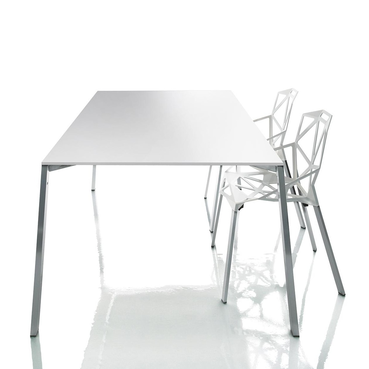 Konstantin Grcic Stuhl Chair One Stuhl Stapelbar Magis Ambientedirect