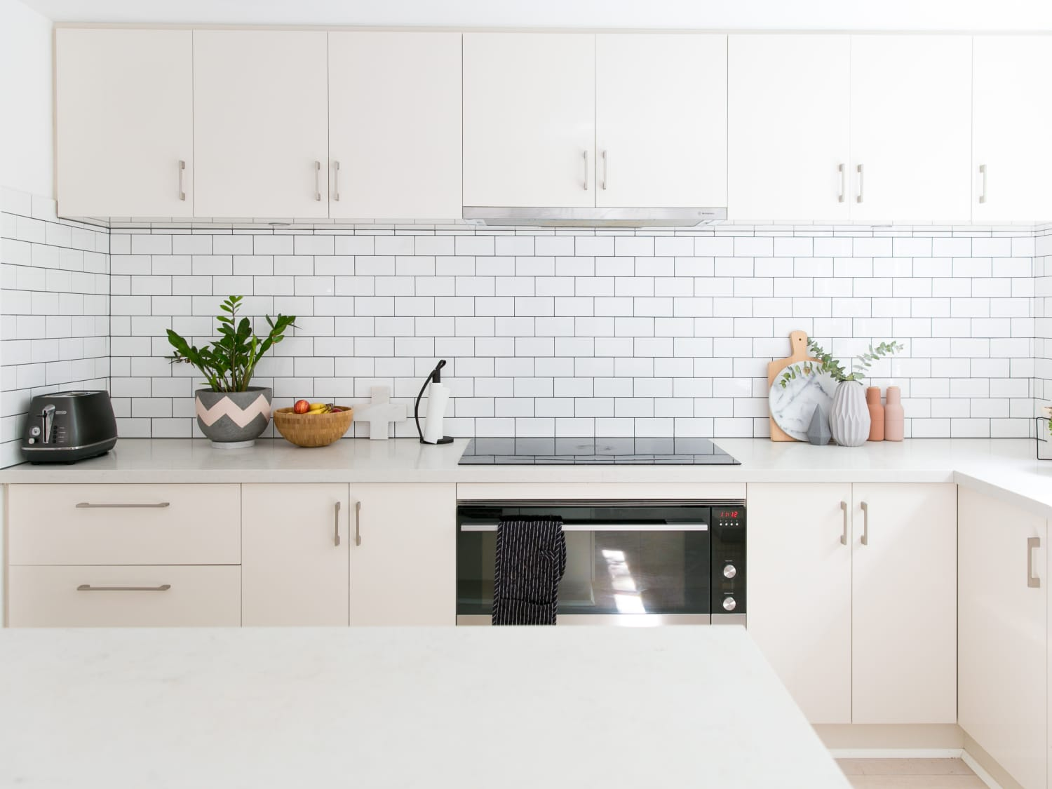 Quartz Countertops Faqs How To Clean Apartment Therapy