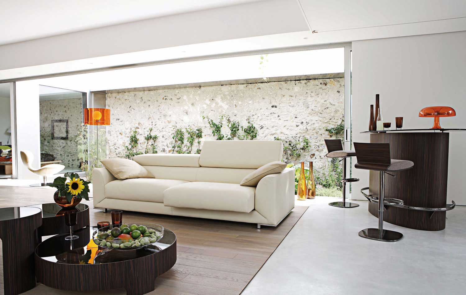 Couchtisch Design Holz Living Room Inspiration: 120 Modern Sofas By Roche Bobois