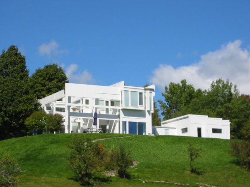 Peter Eisenman\u0027s \u0027House II\u0027 is for sale and listed at $850,000