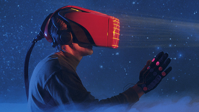 Virtual Reality - Headset and data glove